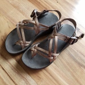 Womens 7 Chaco sandals